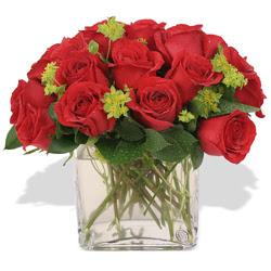 Kütahya 14 şubat sevgililer günü çiçek  10 adet kirmizi gül ve cam yada mika vazo