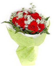 Kütahya hediye sevgilime hediye çiçek  7 adet kirmizi gül buketi tanzimi