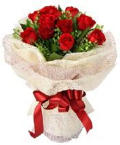12 adet kırmızı gül buketi  Kütahya çiçek satışı