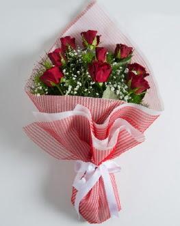 9 adet kırmızı gülden buket  Kütahya anneler günü çiçek yolla