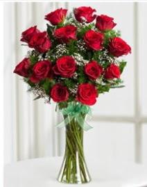 Cam vazo içerisinde 11 kırmızı gül vazosu  Kütahya çiçek satışı