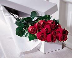 Kütahya anneler günü çiçek yolla  özel kutuda 12 adet gül