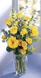 Kütahya İnternetten çiçek siparişi  sari güller ve gerbera cam yada mika vazo