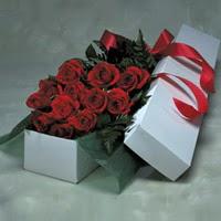 Kütahya İnternetten çiçek siparişi  11 adet gülden kutu