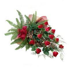 Kütahya İnternetten çiçek siparişi  10 adet kirmizi gül özel buket çiçek siparisi