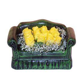 Seramik koltuk 12 sari gül   Kütahya çiçek online çiçek siparişi