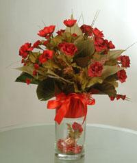yapay güllerden vazo  9 gül  Kütahya çiçek gönderme