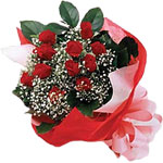 Kütahya güvenli kaliteli hızlı çiçek  KIRMIZI AMBALAJ BUKETINDE 12 ADET GÜL