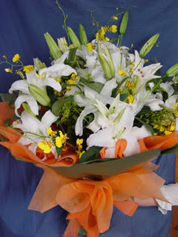 Kütahya güvenli kaliteli hızlı çiçek  5 ADET KAZABLANKA BUKETI KALITEDEN SASMAYANLARA