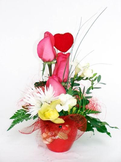 Kütahya çiçek online çiçek siparişi  cam içerisinde 3 adet gül ve kir çiçekleri