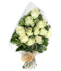 Kütahya internetten çiçek siparişi  12 li beyaz gül buketi.