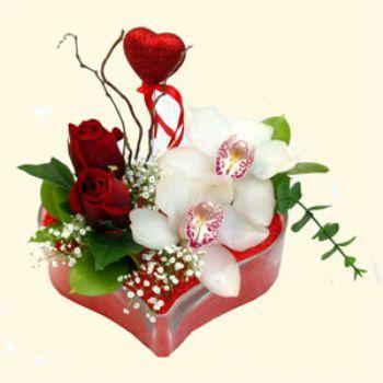 Kütahya çiçek , çiçekçi , çiçekçilik  1 kandil orkide 5 adet kirmizi gül mika kalp