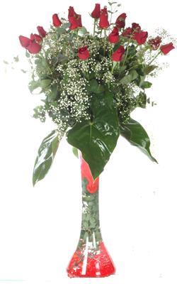 Kütahya çiçek gönderme  19 ADET GÜL VE FIL CAM AYAGI