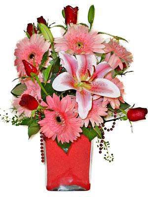 Kütahya çiçek gönderme sitemiz güvenlidir  karisik cam yada mika vazoda mevsim çiçekleri mevsim demeti