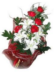 Kütahya çiçek siparişi sitesi  5 adet kirmizi gül 1 adet kazablanka çiçegi buketi