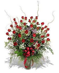 Kütahya kaliteli taze ve ucuz çiçekler  33 adet kirmizi gül vazo içerisinde