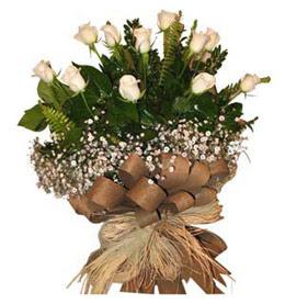 Kütahya 14 şubat sevgililer günü çiçek  9 adet beyaz gül buketi