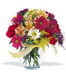 Kütahya hediye sevgilime hediye çiçek  cam yada mika vazo içerisinde karisik kir çiçekleri