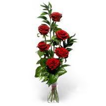 Kütahya kaliteli taze ve ucuz çiçekler  cam yada mika vazo içerisinde 6 adet kirmizi gül