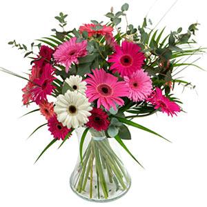 15 adet gerbera ve vazo çiçek tanzimi  Kütahya İnternetten çiçek siparişi