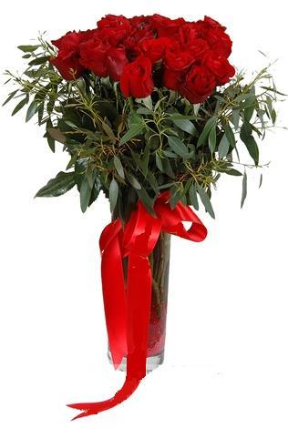 15 adet kirmizi gül cam vazo içerisinde  Kütahya güvenli kaliteli hızlı çiçek