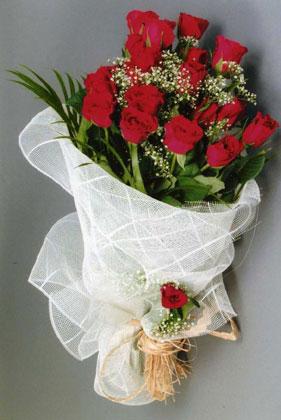 10 adet kirmizi güllerden buket çiçegi  Kütahya çiçekçiler