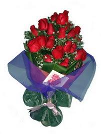 12 adet kirmizi gül buketi  Kütahya İnternetten çiçek siparişi