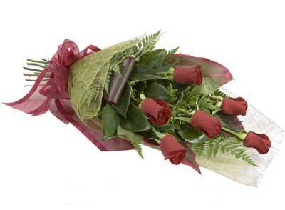 ucuz çiçek siparisi 6 adet kirmizi gül buket  Kütahya kaliteli taze ve ucuz çiçekler