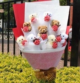 Kütahya çiçek yolla , çiçek gönder , çiçekçi   9 adet ayicik ve 9 adet yapay gül