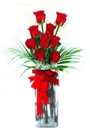 Kütahya 14 şubat sevgililer günü çiçek  9 adet mika yada cam vazoda gül tanzimi