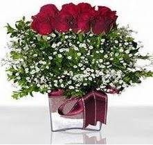 Kütahya güvenli kaliteli hızlı çiçek  mika yada cam vazo içerisinde 7 adet gül
