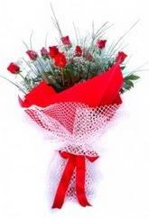 Kütahya online çiçek gönderme sipariş  9 adet kirmizi gül buketi demeti