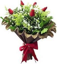 Kütahya İnternetten çiçek siparişi  5 adet kirmizi gül buketi demeti