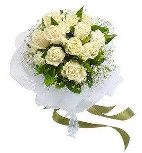 Kütahya internetten çiçek siparişi  11 adet benbeyaz güllerden buket