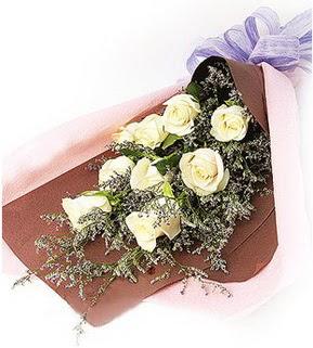 Kütahya çiçek gönderme sitemiz güvenlidir  9 adet beyaz gülden görsel buket çiçeği