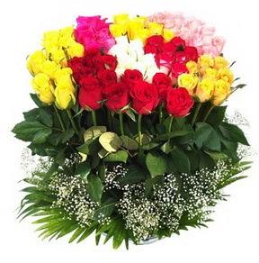 Kütahya çiçekçi mağazası  51 adet renkli güllerden aranjman tanzimi
