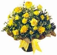 Kütahya hediye sevgilime hediye çiçek  Sari gül karanfil ve kir çiçekleri