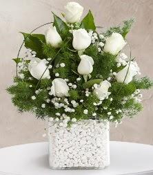 9 beyaz gül vazosu  Kütahya anneler günü çiçek yolla