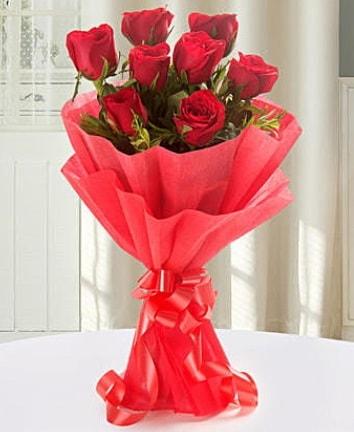 9 adet kırmızı gülden modern buket  Kütahya online çiçek gönderme sipariş