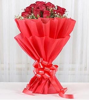12 adet kırmızı gül buketi  Kütahya çiçek servisi , çiçekçi adresleri
